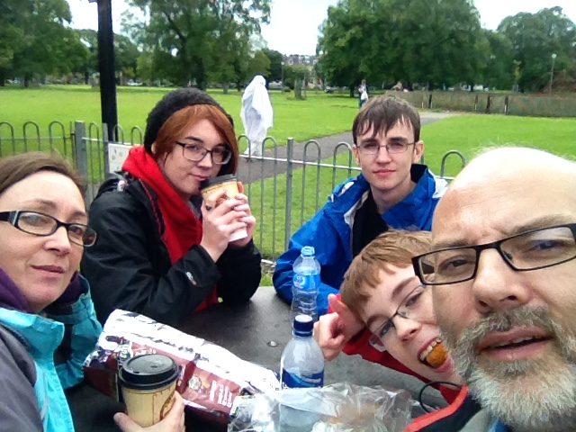 Last meal at a park in Leith before taking Lauren to her new job.